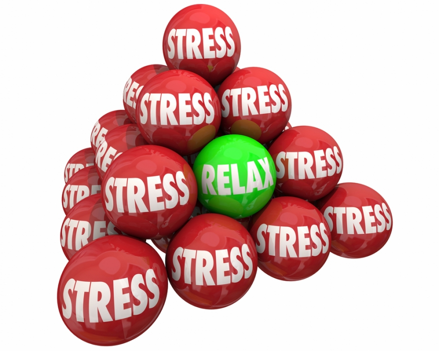 stress vs. relaxed balls in a pyramid